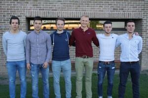 van links naar rechts: Timi De Smet(21) komt van SV Oudenaarde, Janini De Clercq(20) komt van Olsa Brakel, Jonathan De Couvreur(25) komt van Eendracht Houtem,Niels Wittebrood(22) komt van SK Munkzwalm, Milan Marijsse(18) komt van Cercle Brugge en Levi Wallez(23), komt van SV Vlaamse Ardennen. Brecht De Rouck was weerhouden.